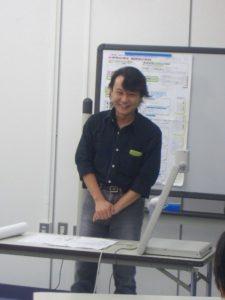 笑顔が素敵なNPOオフィス担当、村林です!