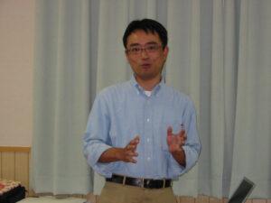 調査方法基礎講座の講師、県立大学の高野教授です。