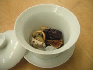 材料の8割が山口のものという八宝茶です。