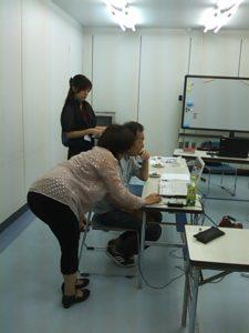参加者と一緒に学ぶスタッフです。