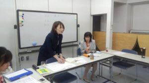 山本先生、原先生が講義をしています。