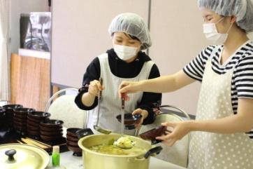 調理ボランティアの様子です